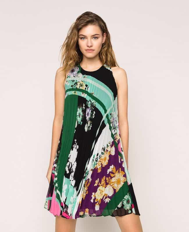 שמלה מודפסת צבעונית, ללא שרוול