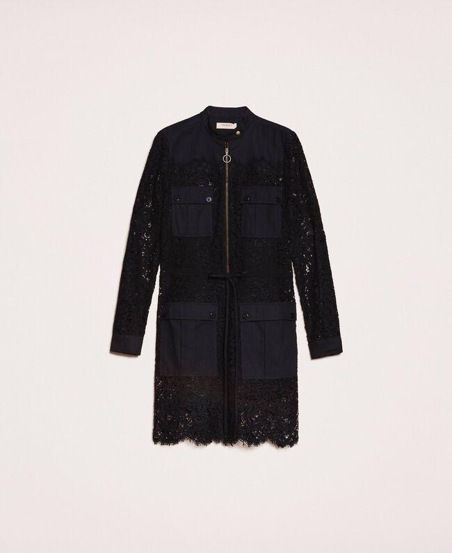 שמלה שחורה בדוגמת תחרה עם שרוול ארוך