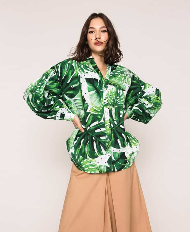 חולצה לבנה עם שרוול מתרחב, הדפס עלים ירוקים גדולים