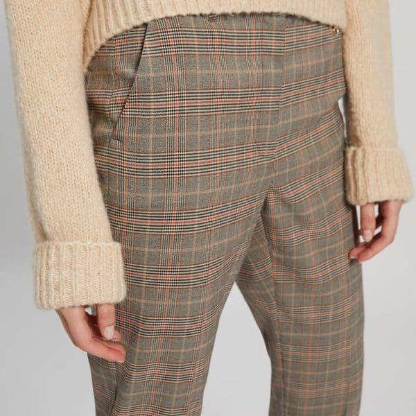 מכנס בסגנון סקוטי גזרה צרה