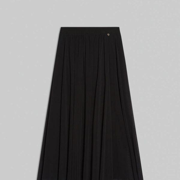 חצאית טול שחורה ארוכה