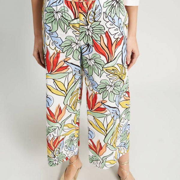 מכנסיים בגזרה רחבה פרחוניים