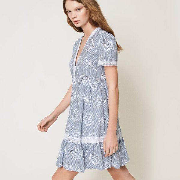 שמלת רקמה פרחונית