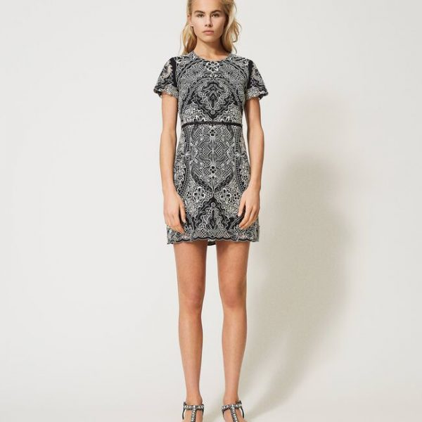 שמלת תחרה שחור-לבן