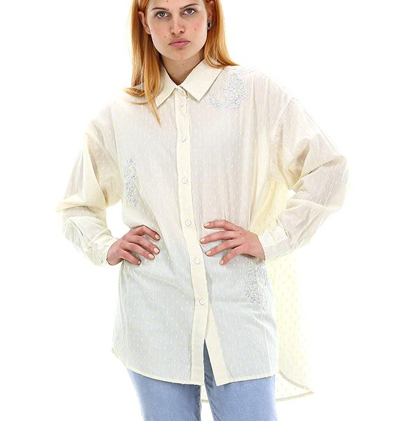 חולצה מכופתרת בעלת הדפס יחודי
