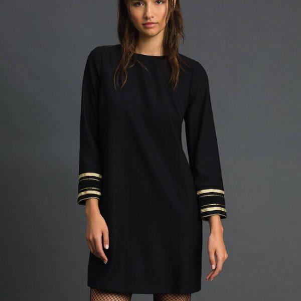 שמלת צמר עם תחרה שרוולים